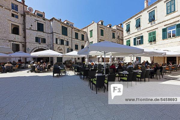 Outdoor restaurants  old town of Dubrovnik  central Dalmatia  Dalmatia  Adriatic coast  Croatia  Europe  PublicGround