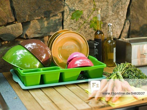 Gerät Küche arrangieren Außenaufnahme Tisch