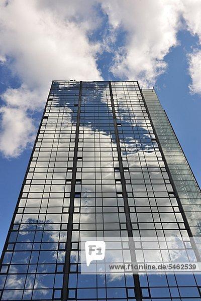 Außenaufnahme Glas Himmel Gebäude Hotel