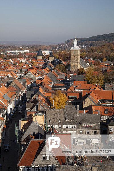 Ausblick vom Turm der Marktkirche  Stephanikirche  Breites Tor  Goslar  UNESCO-Weltkulturerbestätte  Harz  Niedersachsen  Deutschland  Europa