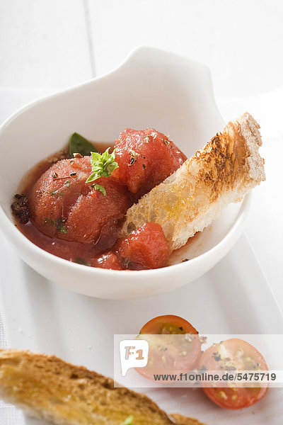 Tomaten-Basilikum-sorbet