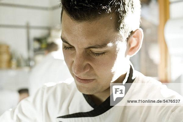 Chef in Küche  Porträt
