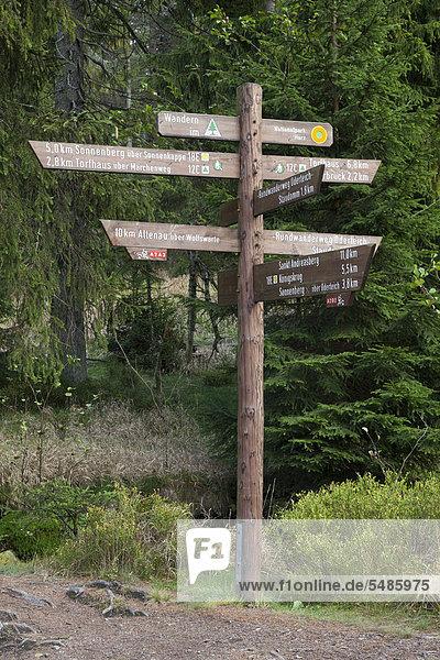 Informationstafel an der Talsperre Oderteich  Nationalpark Harz  Oberharz  Harz  Niedersachsen  Deutschland  Europa  ÖffentlicherGrund Informationstafel an der Talsperre Oderteich, Nationalpark Harz, Oberharz, Harz, Niedersachsen, Deutschland, Europa, ÖffentlicherGrund