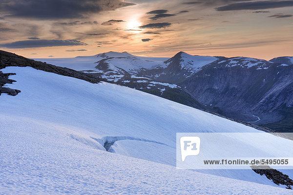 Berge  Blakkådal  Blakkadal Tal  Saltfjellet-Svartisen-Nationalpark  Provinz Nordland  Norwegen  Skandinavien  Europa