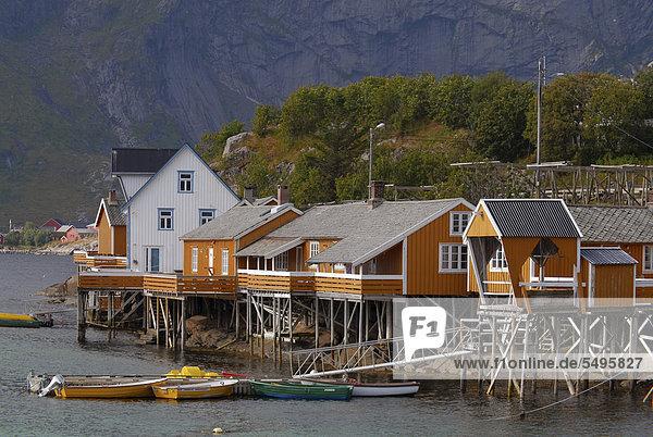 Europa Morgen klein Dorf Norwegen früh Moskenesoy nordland Reine Sakrisoy