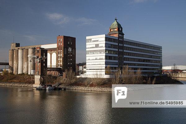 Stadthafen  Landeshauptstadt Düsseldorf  Rheinland  Nordrhein-Westfalen  Deutschland  Europa  ÖffentlicherGrund
