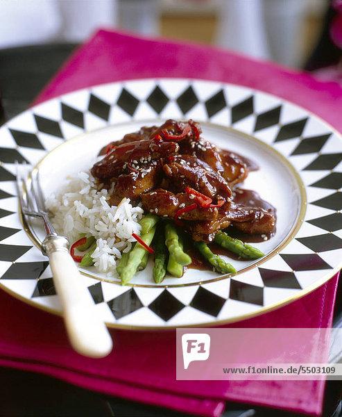 Chili Schweinefleisch mit Spargel