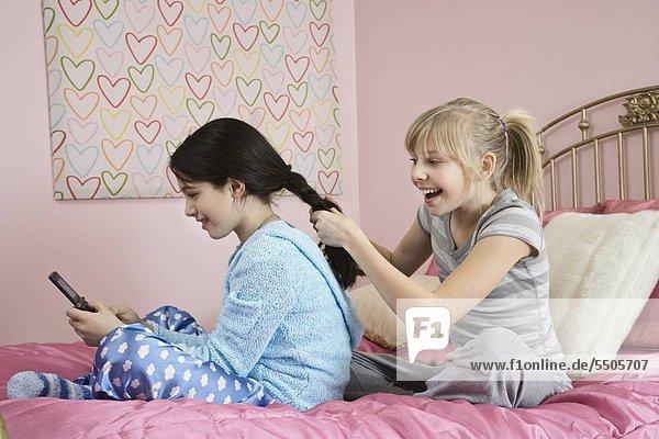 FriendÌs Haare flechten
