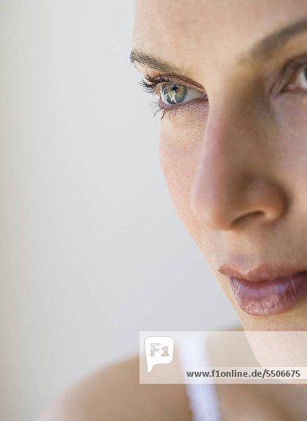 Close up of womanÌs face