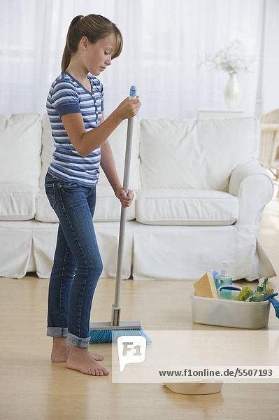 Wohnzimmer Reinigung Mädchen
