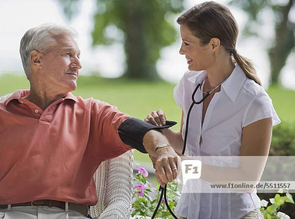 Senior Senioren Prüfung Streß