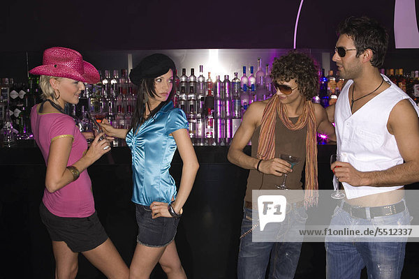 Richtig flirten in der disco