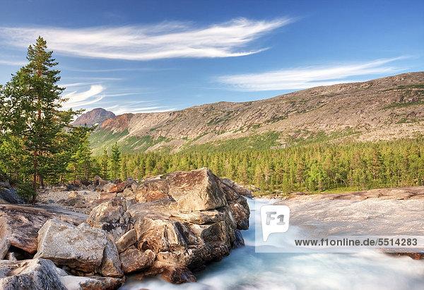 L¯nselva  Lonselva Fluss  Nordland  Norwegen  Skandinavien  Europa