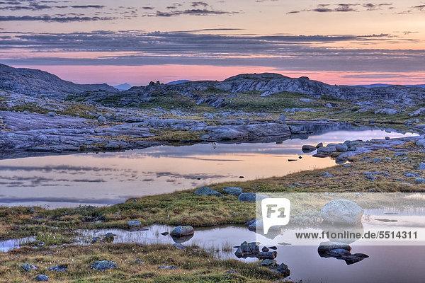 Lagunen im Rago-Nationalpark  Nordland  Norwegen  Skandinavien  Europa