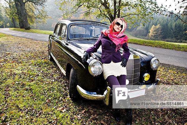 Frau  Auto  frontal  jung  Klassisches Konzert  Klassik