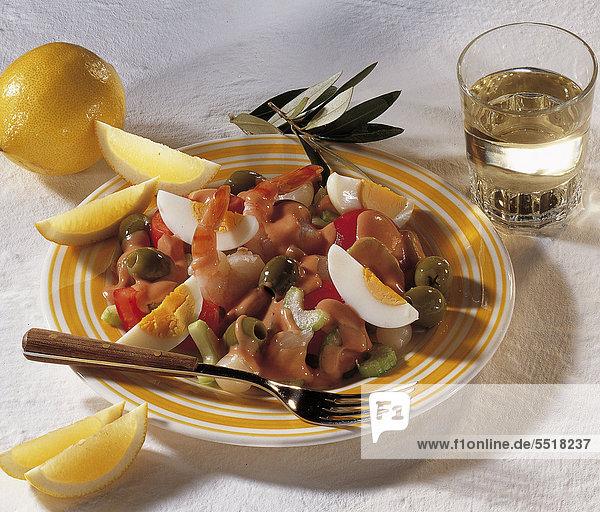 Eiersalat mit Oliven und Garnelen  Australien  Rezept gegen Gebühr erhältlich
