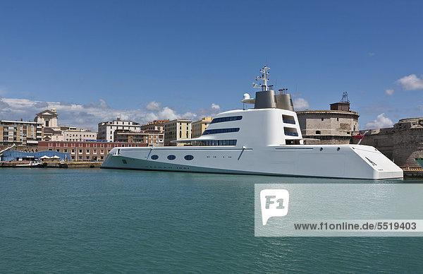 Megayacht des Milliardärs Andrei Melnichenko  Design von Philippe Starck  im Hafen von Civitavecchia  Rom  Italien  Europa