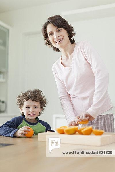 Sohn  Mutter - Mensch  Frühstück