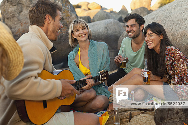 Freundschaft  Entspannung  Strand  trinken