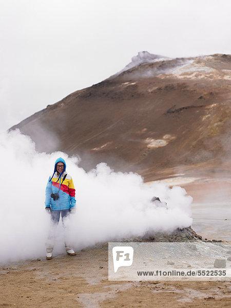 stehend  Geysir  Fotograf  Wasserdampf