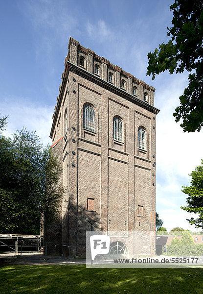 Malakowturm des ehemaligen Bergwerks Julius Philipp  Medizinhistorische Sammlung der Ruhr-Universität Bochum  Bochum  Ruhrgebiet  Nordrhein-Westfalen  Deutschland  Europa  ÖffentlicherGrund