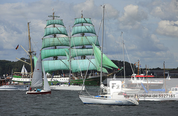 Windjammerparade auf der Kieler Woche 2011  Deutschland