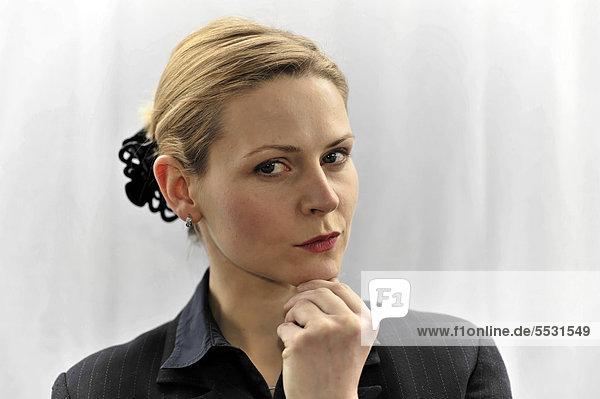 Junge Geschäftsfrau  Managerin  Porträt