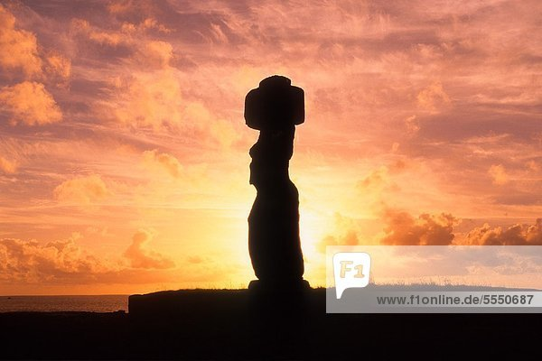 Osterinsel Rapa Nui Sonnenuntergang Chile