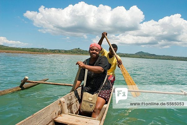 Führung  Anleitung führen  führt  führend  Frau  Organisation  organisieren  Reise  Boot  jung  Indischer Ozean  Indik