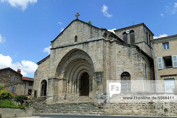 Dore l'Eglise  romanische Kirche  Regionaler Naturpark Livradois-Forez  Haute Loire  Auvergne  Frankreich  Europa