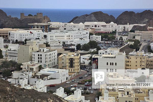 Blick auf die Altstadt von Muscat  Maskat  Oman  Arabische Halbinsel  Naher Osten