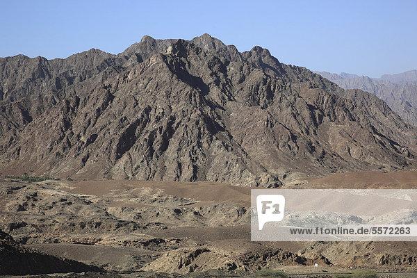 Landschaft am Jebel Shams  Gebirge im Zentraloman  Oman  Arabische Halbinsel  Naher Osten