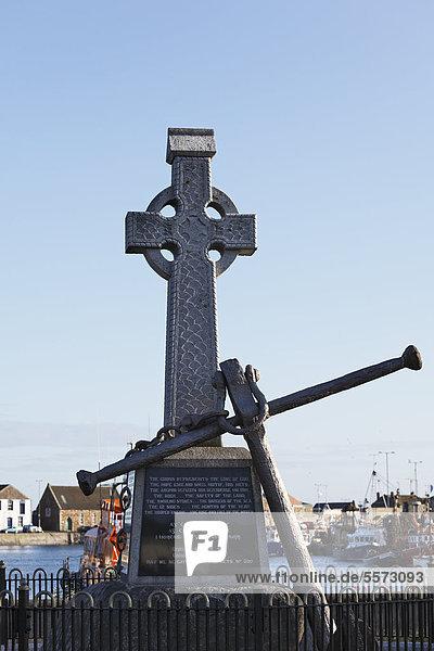 Fisher's Cross am Fischerhafen  Howth bei Dublin  County Fingal  Leinster  Irland  Europa  ÖffentlicherGrund