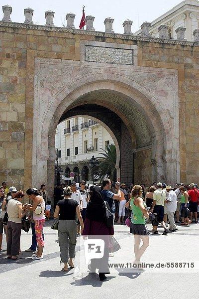 Tunis Hauptstadt Frankreich Brücke Platz Tunesien