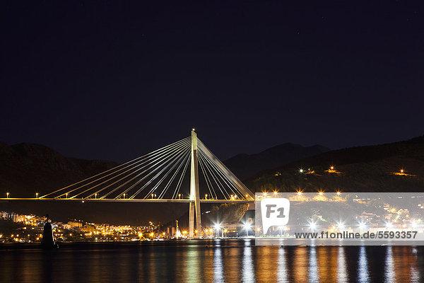 Kroatien  Dubrovnik  Blick auf die Franjo Tudjman Brücke mit der Stadt
