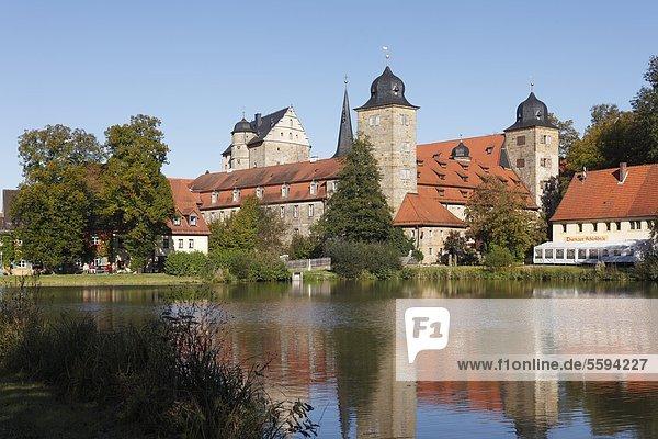 Deutschland  Bayern  Franken  Oberfranken  Fränkische Schweiz  Blick auf Schloss Thurnau