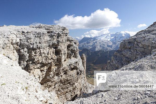 Aussicht vom Sass Pordoi auf die Marmolada  Sella-Gruppe  Sellaronda  Dolomiten  Italien  Europa