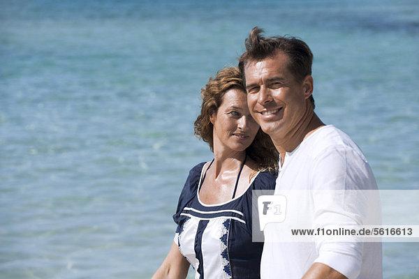 Paar am Strand  selektive Fokussierung