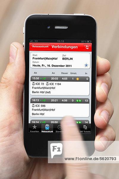 Iphone  Smartphone  App auf dem Display  Reiseauskunft der Deutschen Bahn