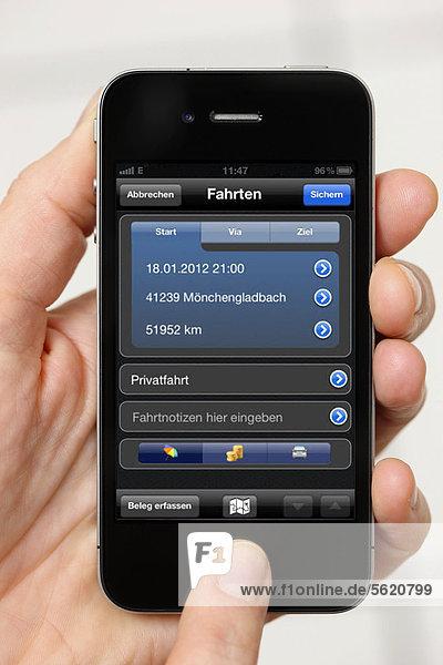 Iphone  Smartphone  App auf dem Display  Fahrtenbuch zum Abrechnen von Fahrtkosten