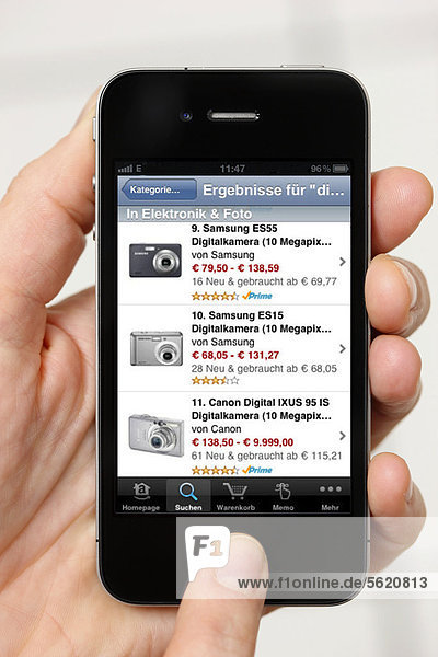 Iphone  Smartphone  App vom Internet-Kaufhaus Amazon auf dem Display