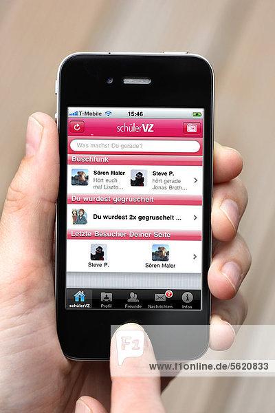 Iphone  Smartphone  App auf dem Display  soziales Netzwerk  SchülerVZ