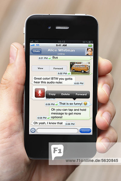 IPhone  Smartphone  App auf dem Display  Whatsapp  Chat  SMS  Nachrichtendienst