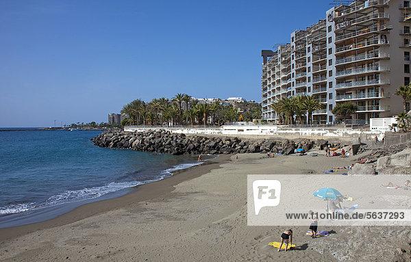 nahe Europa Mensch Menschen Strand klein Kanaren Kanarische Inseln Arguineguin Atlantischer Ozean Atlantik Gran Canaria Spanien