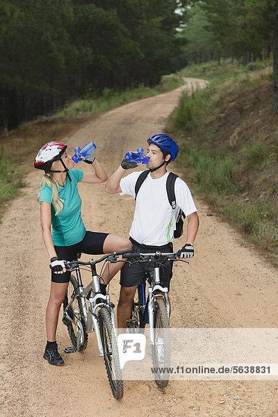 Wasser  Berg  trinken  Fahrrad  Rad
