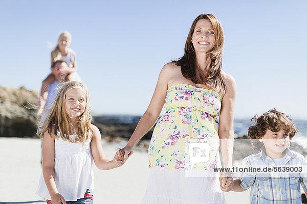 gehen  Strand  Mutter - Mensch