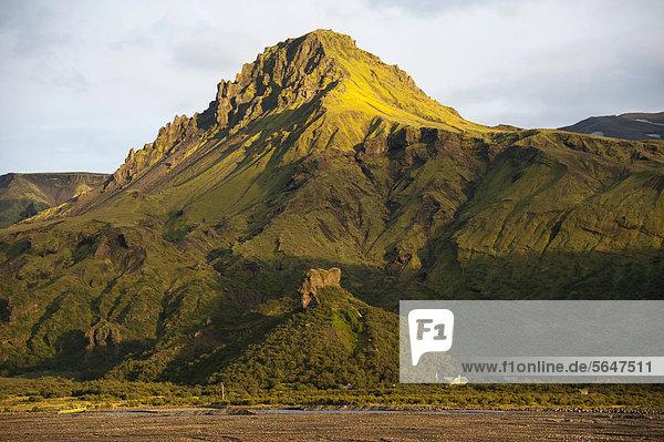 Wanderhütte B·sar  Berg _tigönguhöf_i im Go_aland  Godaland  _Ûrsmörk  Thorsmörk  Su_urland  Sudurland  Süd-Island  Island  Europa