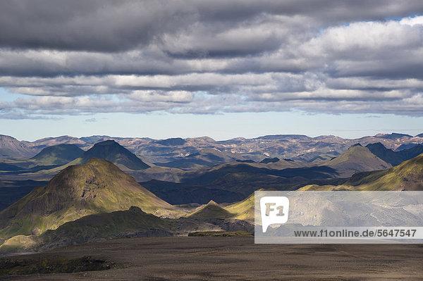View of _Ûrsmoerk valley  Thorsmoerk  and Landmannalaugar  hiking trail to the Fimmvoer_uh·ls high plain  Fimmvoerduh·ls  Su_urland  Sudurland  southern Iceland  Iceland  Europe
