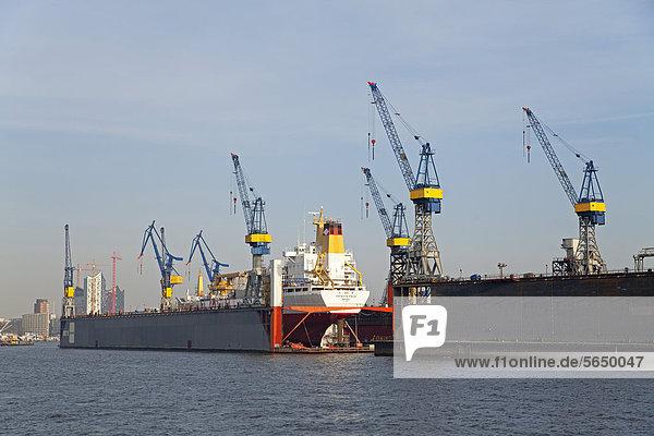 Werft Blohm und Voss  Hafen  Hamburg  Deutschland  Europa