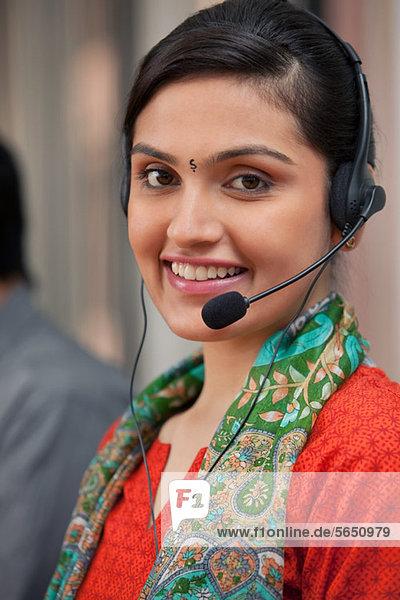 Porträt einer Call-Center-Agentin